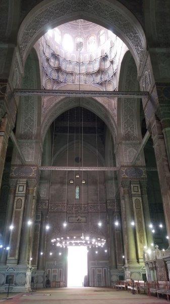 カイロにある、アル・リファイ・モスク内部のシャンデリア
