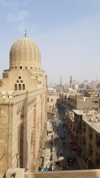 ズウェーラ門からはカイロの街が見渡せる