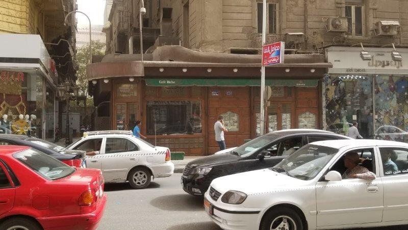 カイロの老舗レストラン、カフェ・リシュの外観