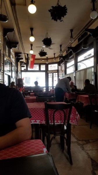 カイロの老舗レストラン、カフェ・リーシュの店内