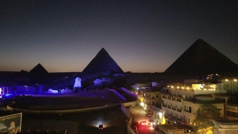 ハヤト・ピラミッド ビュー ホテルから見える、ピラミット光のショー