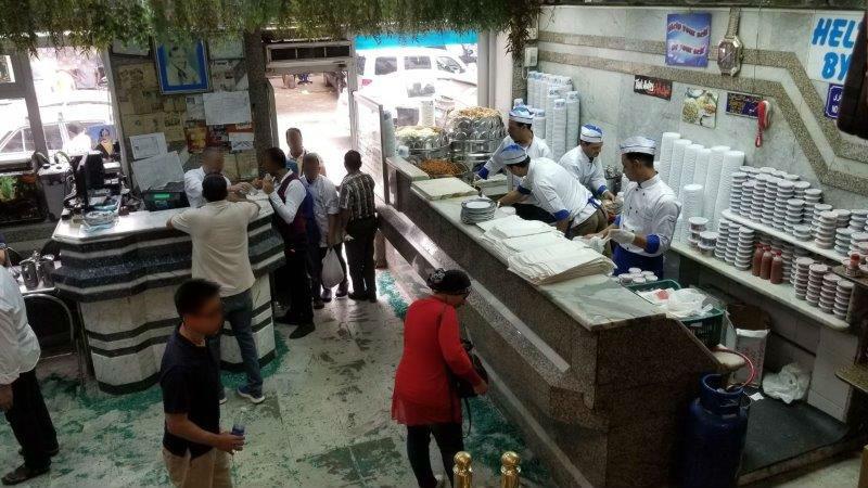 コシャリ専門店、アブ ターレクの店内