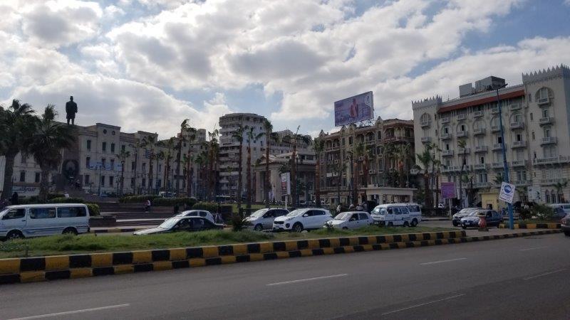 アレクサンドリアの海岸沿いを走る大通り。サアド・ザグルール広場前。