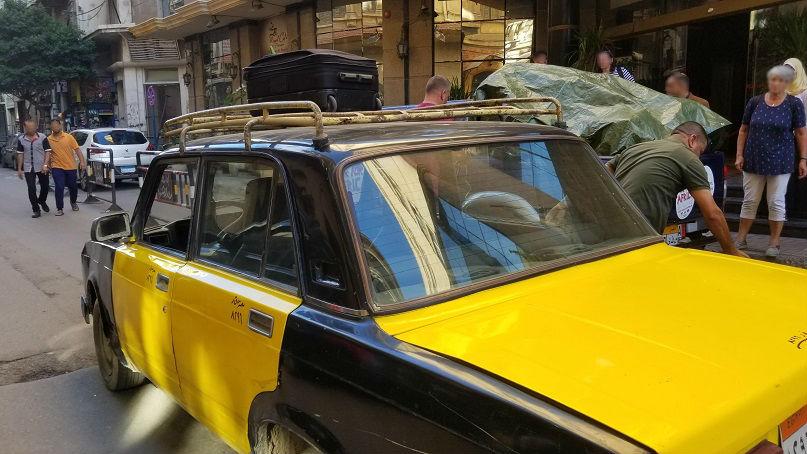 エジプト・アレクサンドリアの黄色いタクシー。