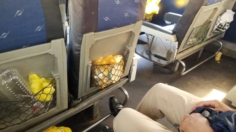 ゴミのたーっぷり詰まった、エジプト国鉄の一等席座席