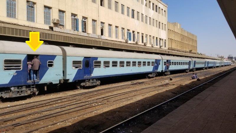 エジプトの満員列車