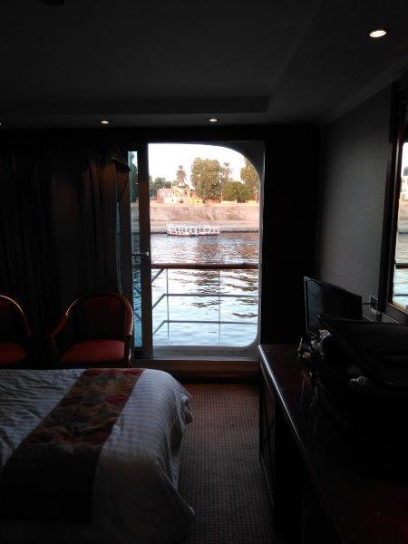 ナイル川クルーズ。寝室からナイル川が見える。
