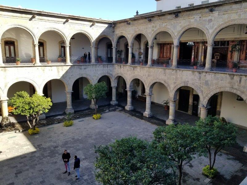 メキシコ・グアダラハラの歴史地区にあるハリスコ州庁舎内部。