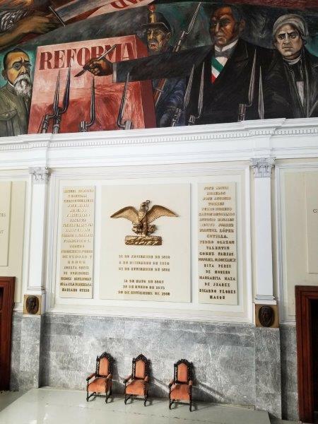 メキシコ・グアダラハラのハリスコ州庁舎。巨匠オロスコの壁画。
