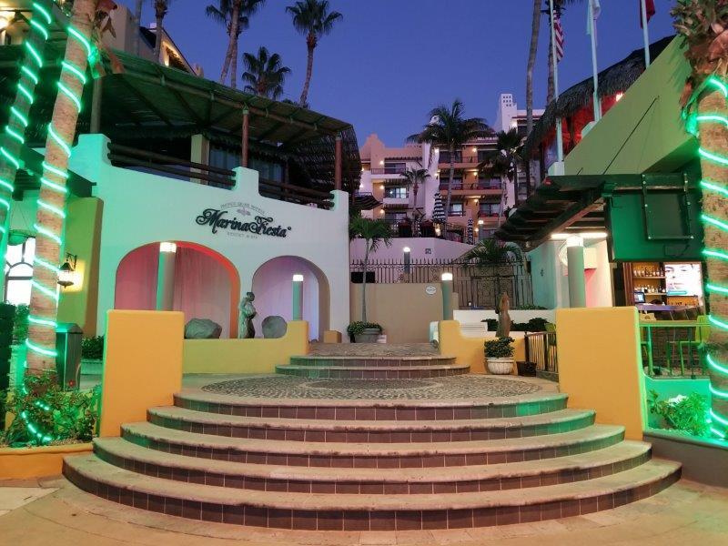 メキシコのロス・カボス。カボ・サン・ルーカスの街。マリーナ・フィエスタ・リゾート・アンド・スパ。