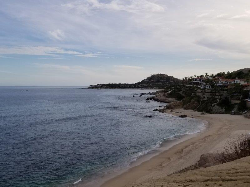 ロス・カボスで海岸線をドライブ。展望台。