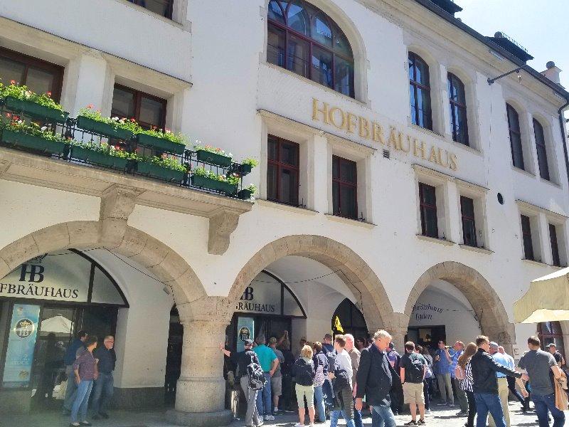 ミュンヘンのビールの老舗、ホーフブロイハウス(Hofbräuhaus)