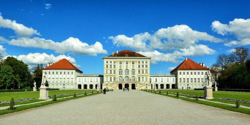 ミュンヘン近郊のニンフェンブルク城。ヴィッテルスバッハ家の夏の離宮だった。