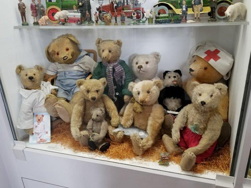 ミュンヘンの旧市庁舎にあるおもちゃ博物館。シュタイフ社のアンティークテディベアの展示もある。