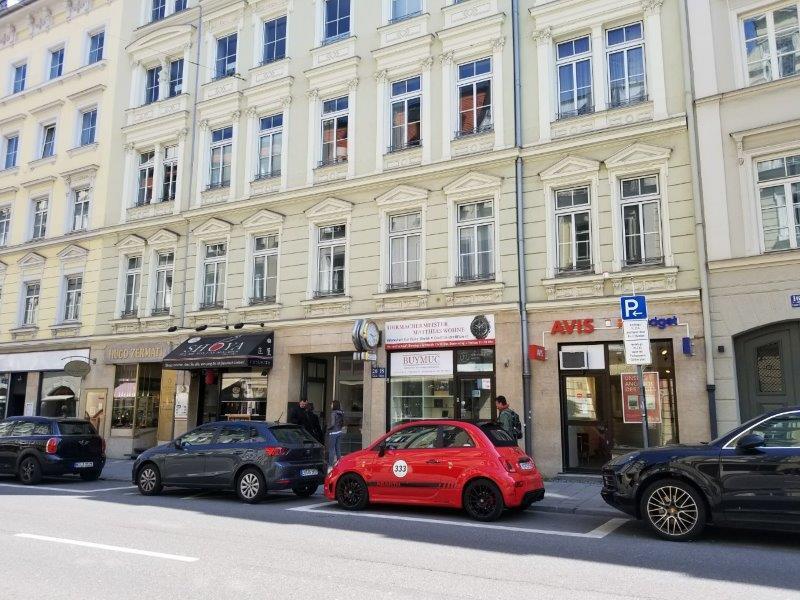 ドイツ・ミュンヘン市内のエイビス・レンタカー(Avis) のオフィス。
