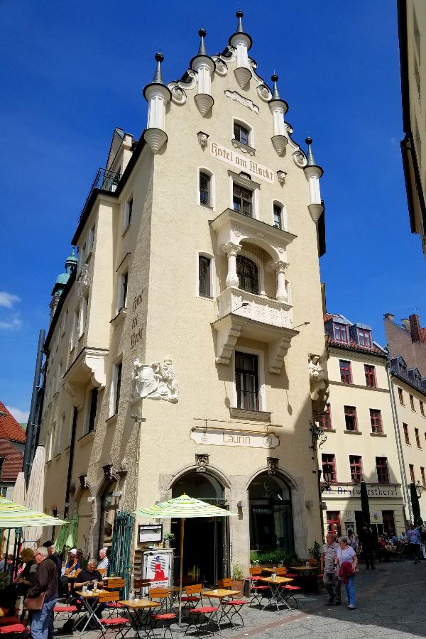 ミュンヘンのおすすめホテル、ホテル・アム・マルクト。 ヴィクトアリエンマルクトそばにある。Hotel am Markt。