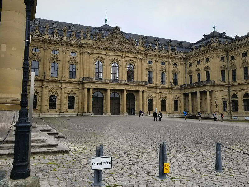 ヴュルツブルクのレジデンツ(司教宮殿)入り口。