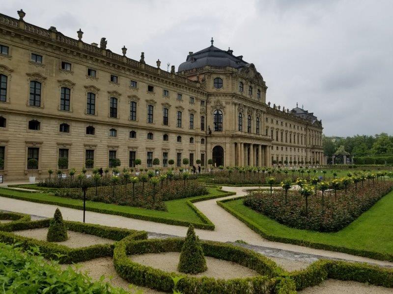 ヴュルツブルクのレジデンツ(司教宮殿)の庭園。