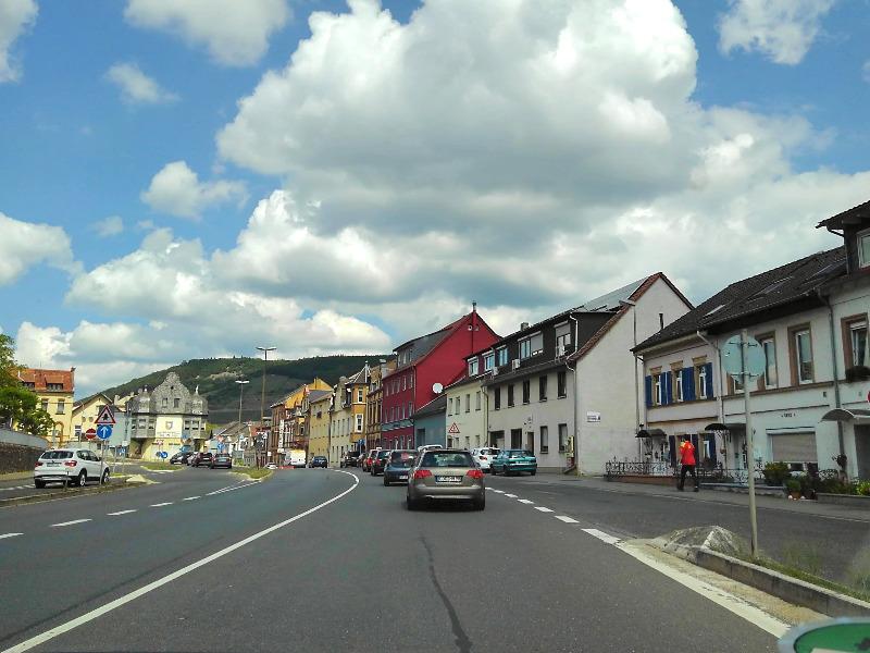 ドイツでレンタカー。フランクフルトからライン川へドライブ。