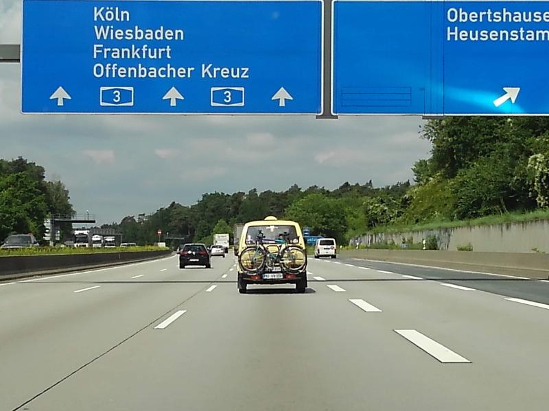 ドイツでレンタカー。ヴュルツブルクからライン川へ。