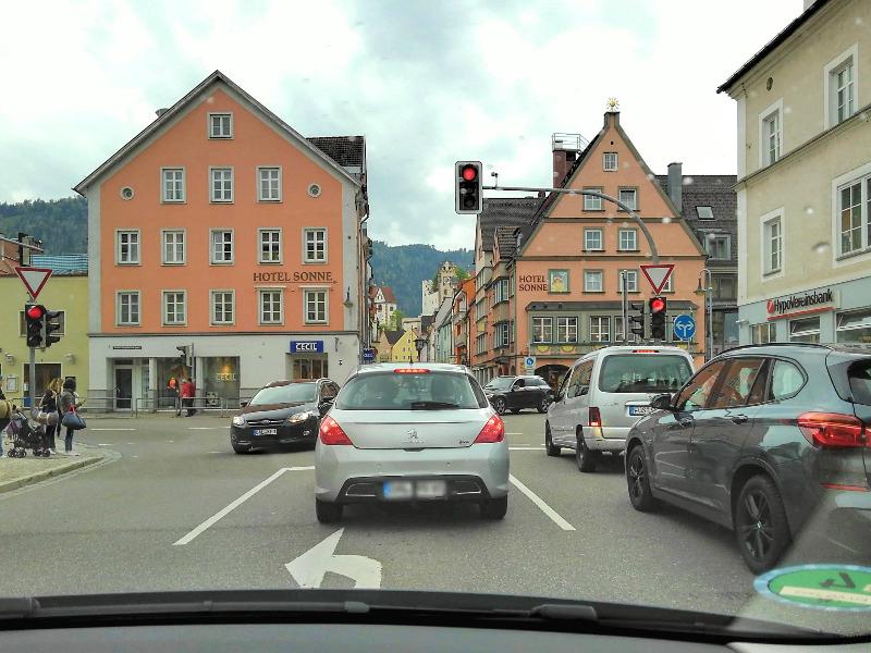 ドイツでレンタカー。フュッセンの街をドライブ。
