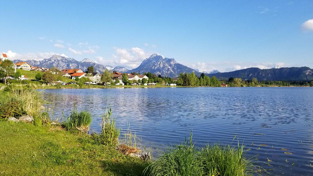 フュッセンのホップフェン湖。アルプス山麓。