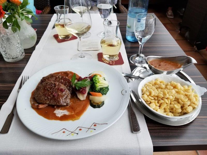 フュッセンのホップフェン湖沿いにある、ホテル・ガイガー(hotel geiger)のレストラン。