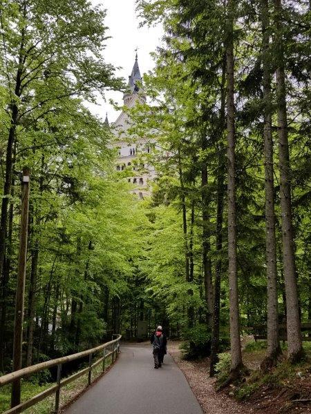 マリエン橋から徒歩でノイシュバンシュタイン城へ