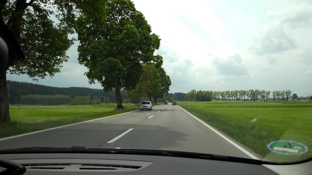 ドイツでレンタカー。ノイシュバンシュタイン城へ向かう。