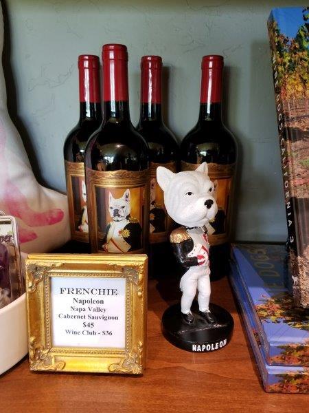 ナパの FrenchieFWwinery(フレンチー・ワイナリー)。犬と動物に捧げるワイナリー。