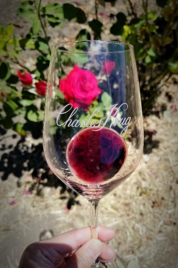 Charles Krug Winery(チャールズ・クリュッグ)ワイナリーツアー。ブドウ畑と赤ワイン。