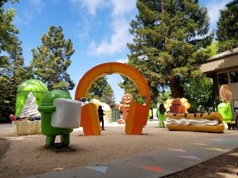 Google Android Lawn Statues。グーグル本社。