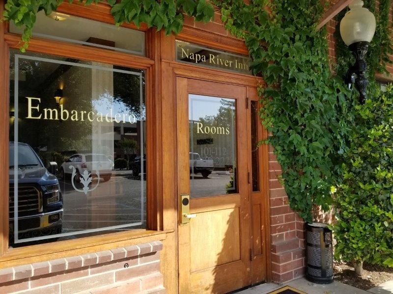 ナパ・ダウンタウンのホテル、ナパ・リバー・イン(Napa River Inn)。別館。