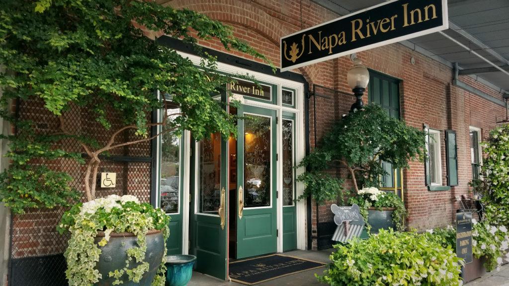 ナパの人気ホテル「ナパ・リバー・イン(Napa River Inn)」
