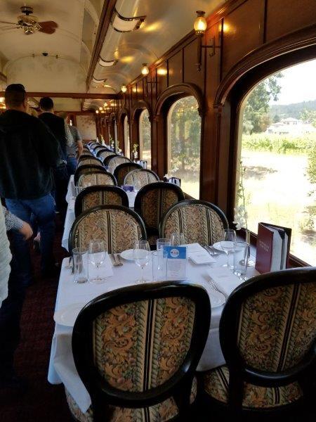 カリフォルニア州・ナパのワイン列車。車両。(ナパバレー・ワイン・トレイン)
