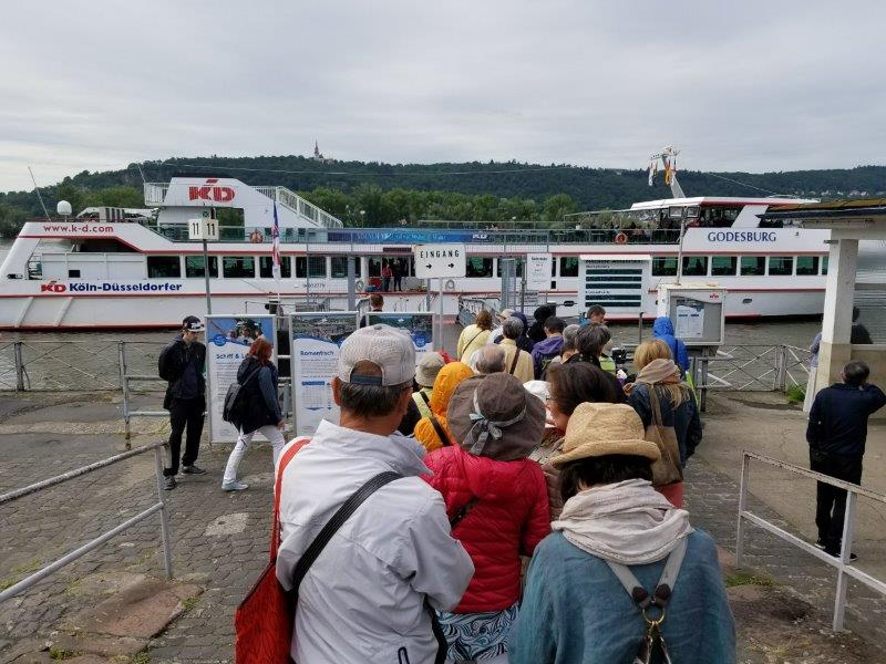 ライン川クルーズを運航する「KD Rhine」の船着き場。リューデスハイム。