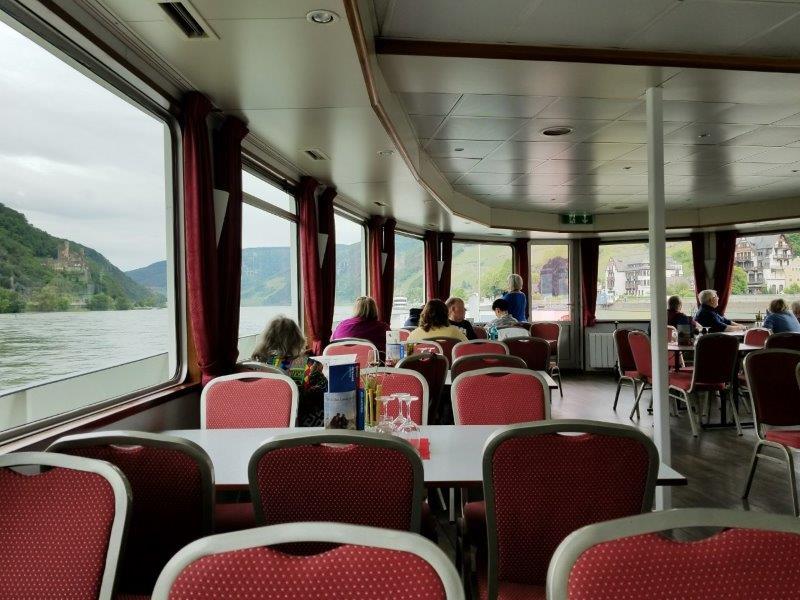 ドイツのライン川クルーズ。船内の様子。
