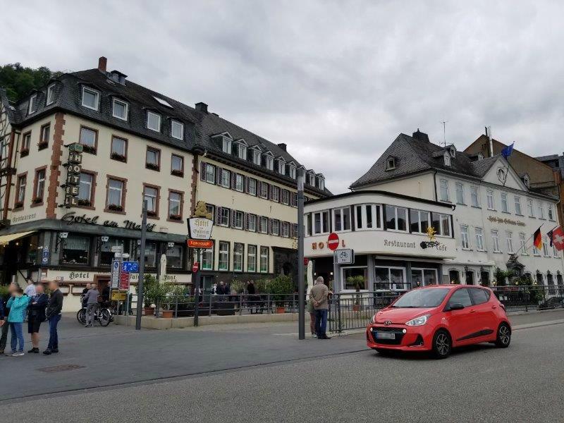 ドイツ・ザンクトゴアールの街。ライン川クルーズの観光客で賑わう。
