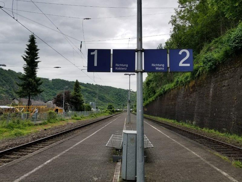 ライン川沿いの鉄道。ザンクトゴアール駅