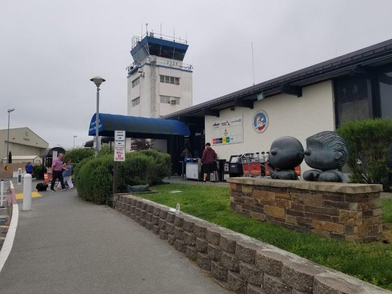 ソノマカウンティの空港。(Charles M. Schulz Sonoma County Airport)