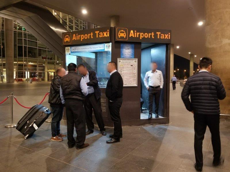 ヨルダンの首都アンマン。クィーンアリア国際空港(Queen Alia International Airport)のタクシー乗り場。