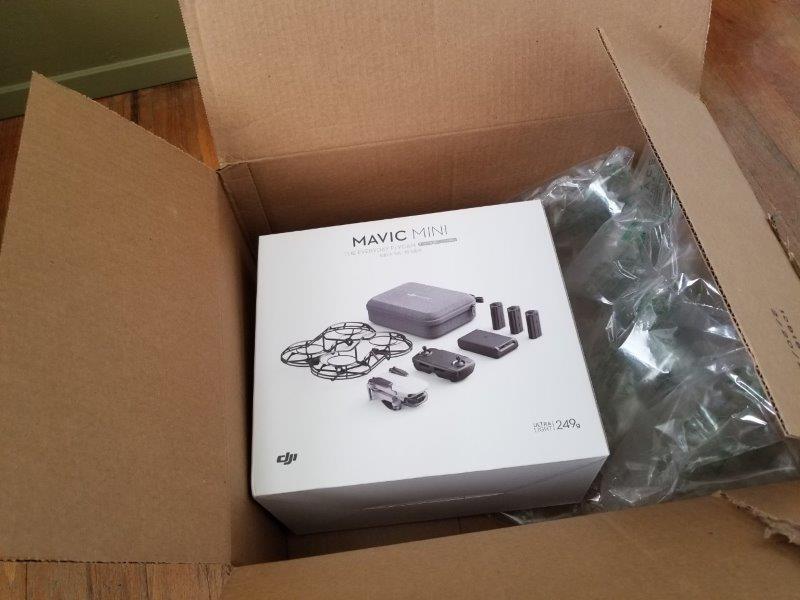 アマゾンから送られてきた DJI Mavic Mini