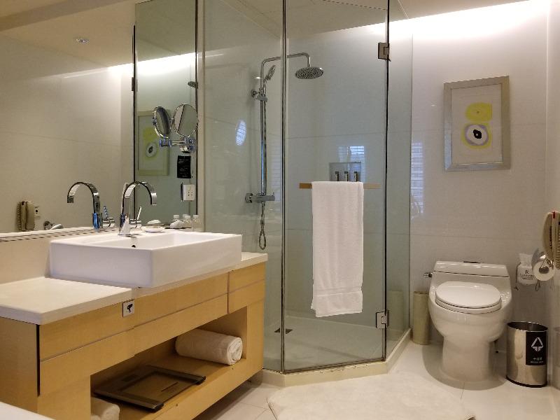 ルネッサンス 上海 豫園 ホテル バスルーム