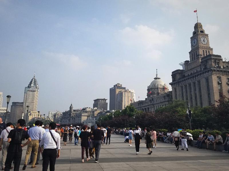 上海の観光名所外灘(ワイタン)
