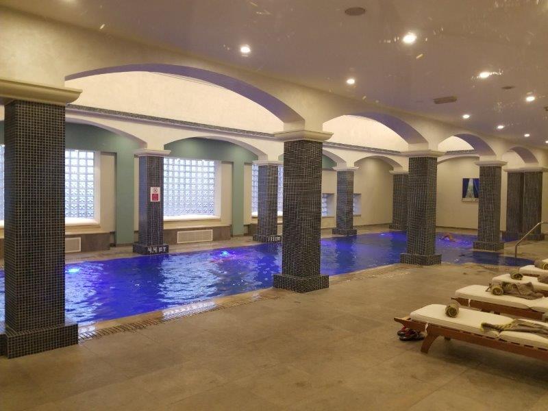 ヨルダンのインターコンチネンタルホテル・アンマン(InterContinental Amman)。プール。