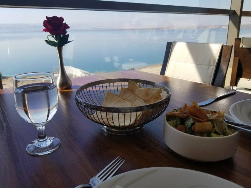 ヨルダン・死海リゾートのアラブ料理レストラン、Ocean Restaurant (オーシャン・レストラン)。