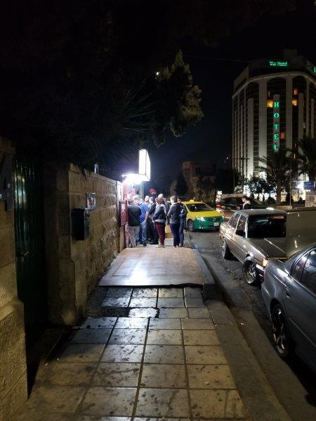 ヨルダンの首都アンマン。シャワルマのレストラン「Shawerma Reem」。