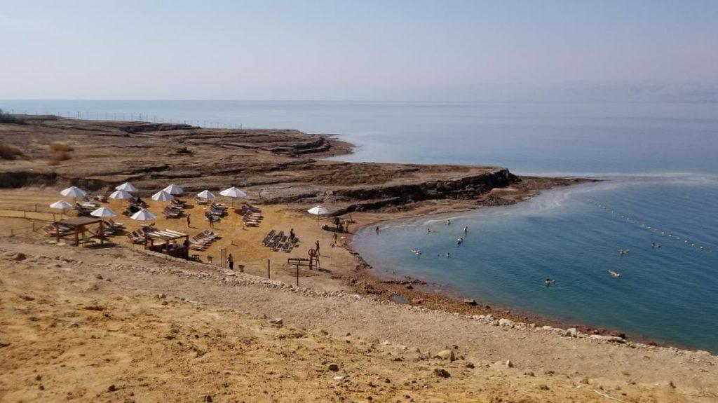ヨルダン・死海リゾートのビーチ
