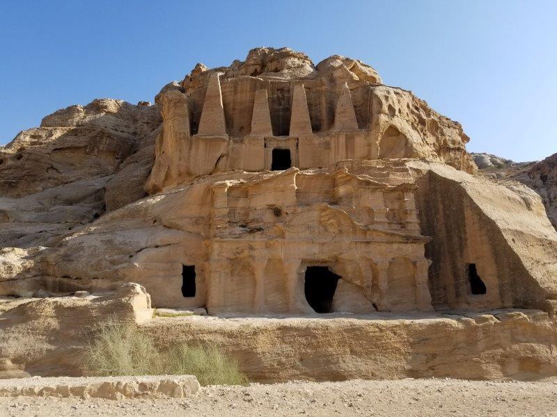 ヨルダン・ペトラ。Obelisk tomb(オベリスクの墓)
