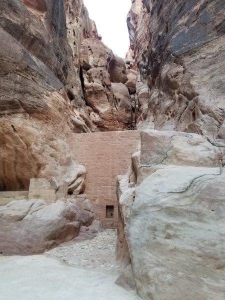ヨルダン旅行・ペトラのシーク(siq)のダム。